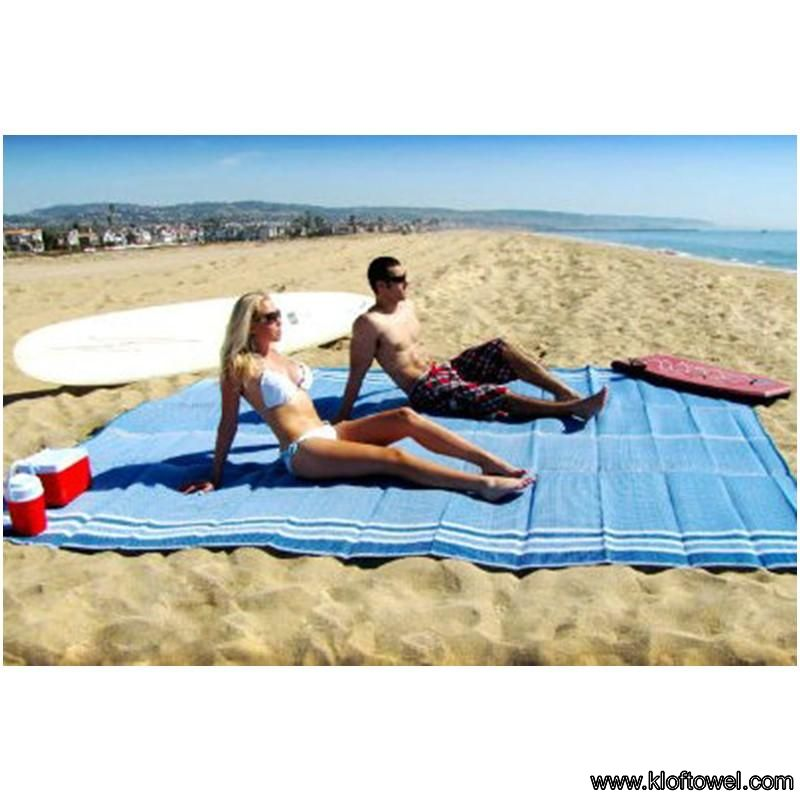 A608GA04-beach-towel-for-two